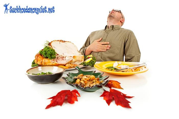Không nên ăn quá no để tránh hại dạ dày