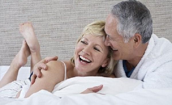 Đàn ông tuổi 50 luôn muốn người phụ nữ biết chăm sóc, quan tâm đến mình