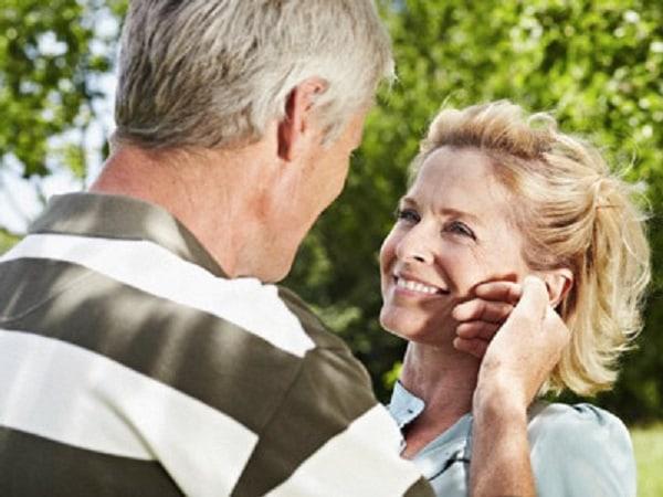 đàn ông độ 50 tuổi càng mong muốn nhiều hơn khi yêu