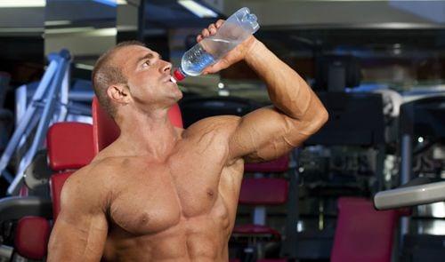 Nước lọc là một phần không thể thiếu nếu muốn quá trình tập luyện