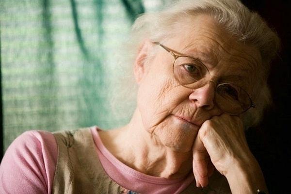 Dấu hiệu nhận biết bệnh mất trí nhớ Alzheimer 1