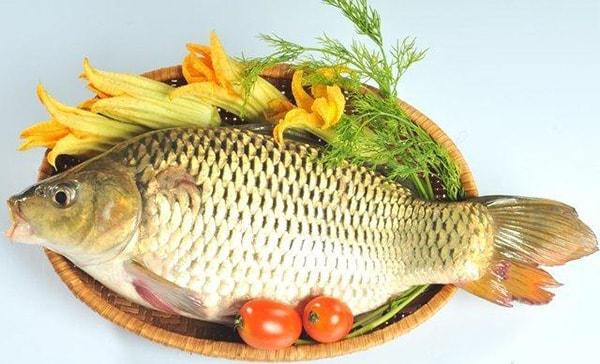 Những người có men gan tăng cao nên ăn cá