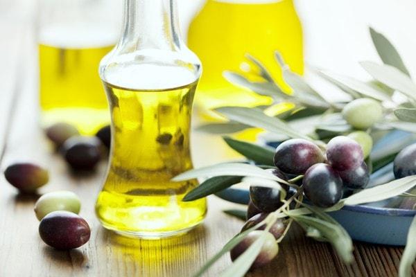 Dầu oliu hấp thụ các chất độc hại trước khi chúng xâm nhập vào cơ thể