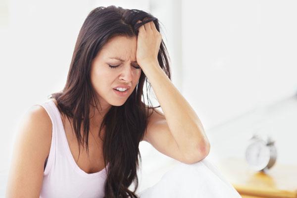 Đau nhói nửa đầu bên phải là triệu chứng của bệnh gì? 1