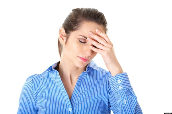Đau nhói nửa đầu bên phải là triệu chứng của bệnh gì? 2