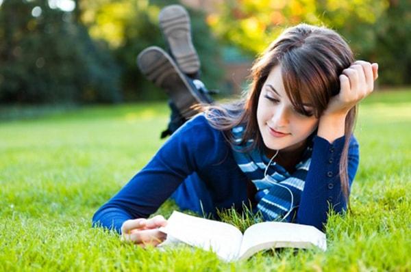 Luôn giữ cho bản thân một thái độ tích cực, tinh thần lạc quan là một trong những điều các bạn học sinh nên làm trước kỳ thi vào THPT