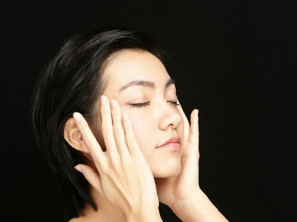 Bài tập vận động đầu giúp giảm đau vai gáy và thư giãn