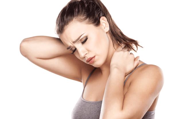 Đau vai gáy khiến các cơn đau xuất hiện liên tục lan tỏa khắp các bải vai và hai bên tay