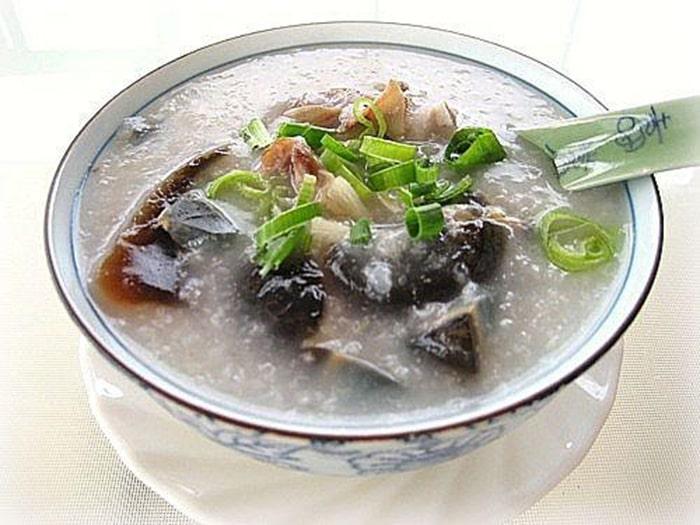 Cháo hàu trứng bắc thảo thơm ngon bổ dưỡng